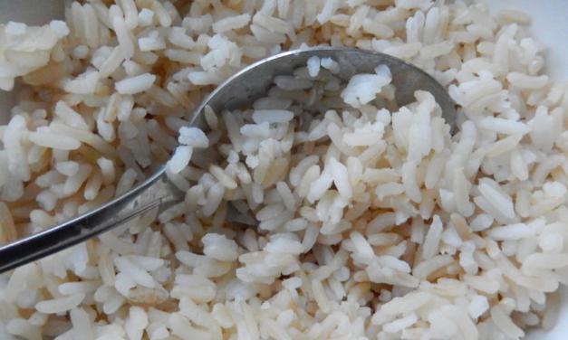 Rijst eet je met een lepel