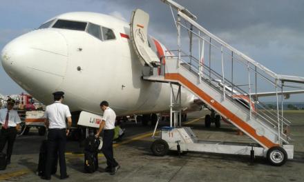 Uitpuilende handbagage in Indonesië