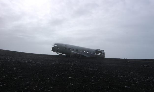 Op weg naar het vliegtuigwrak in IJsland en hoe mijn vlogdebuut in duigen viel