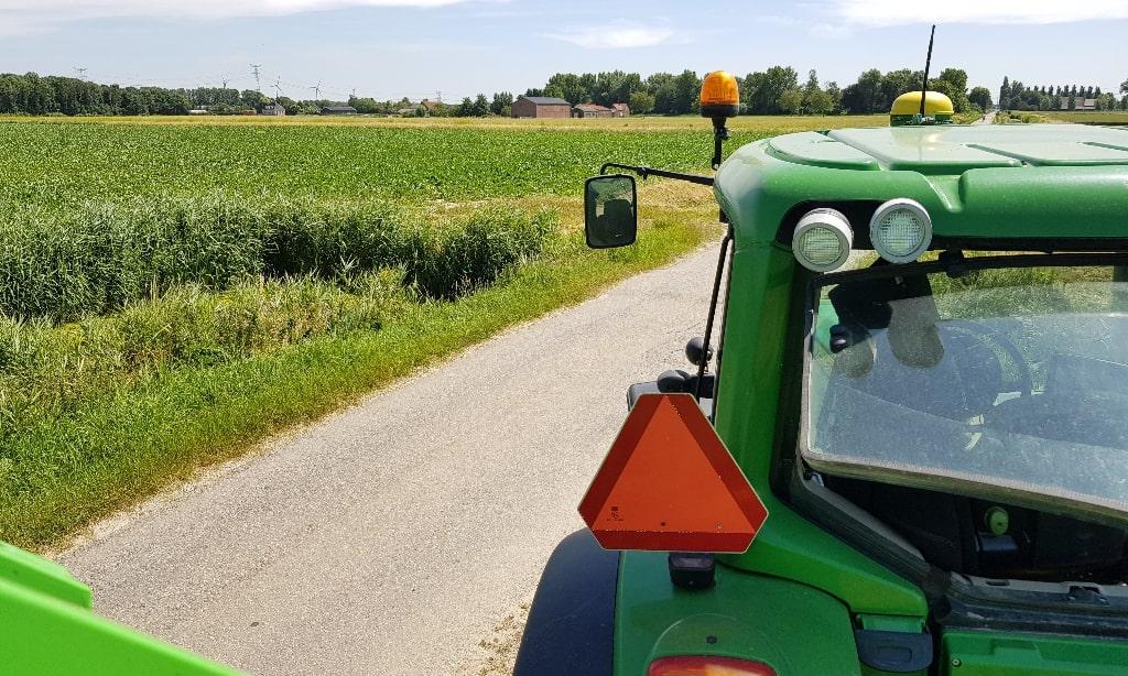 Boerderijchips op de traktor Eating Habits