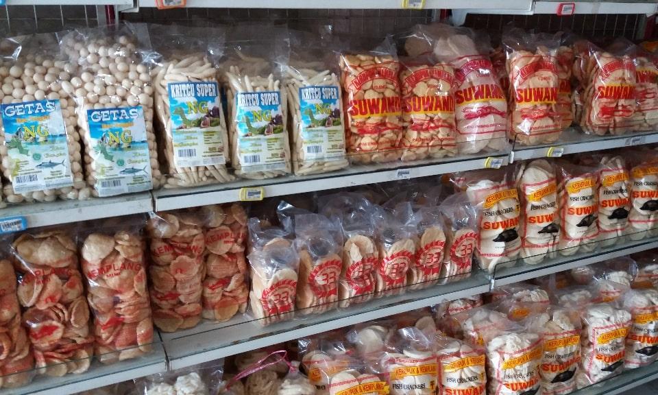 typische lekkernijen uit Palembang - gemplang krupuk Palembang - Eating Habits