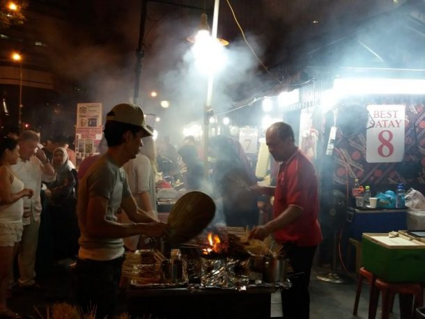 Culinaire stedentrip Singapore satay hawker centre - Eating Habits