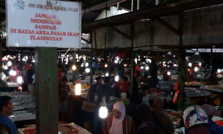 Bezoek aan de lokale markt Pasar Flamboyan Pontianak