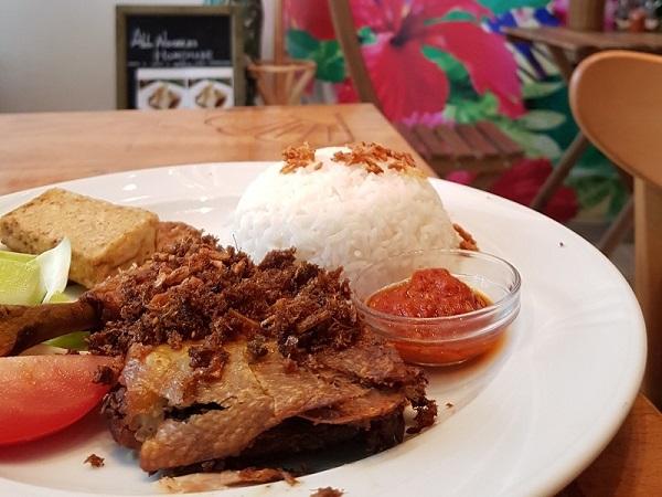 Trio Eethuis - ayam penyet - Indisch Indonesisch eten Den Haag - Eating Habits